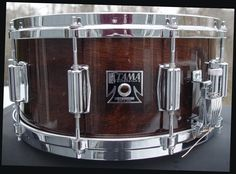 """RARE Tama 6 5 x 14 70's Superstar Snare Drum CL Strainer Walnut Gloss Model number 9678 probably made in Japan around 1976, Gloss walnut finish is extremely rare, drum is featured in the 1976 Japanese catalog with a KS strainer, but the drum could be ordered with any strainer you wanted back then on any shell. CL, KS..etc. (h/t Red Fibrestar) Ten """"Coffin"""" style lugs, Compound Lever strainer system, first generation One-Touch Tone Control, PC diecast alloy hoops"""