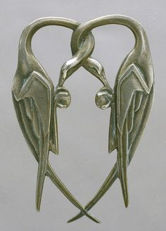 Silver Pendant by Catalan artist Manolo Hugue, Circa Bird Jewelry, Animal Jewelry, Jewelry Crafts, Jewelry Art, Antique Jewelry, Jewelery, Silver Jewelry, Vintage Jewelry, Jewelry Design