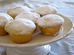Bocconotto di Castel Frentano Italian Pastries, Italian Desserts, Mini Desserts, Delicious Desserts, Italian Biscuits, Italian Cookies, Breakfast Cake, Sweet Cakes, Sweet Recipes