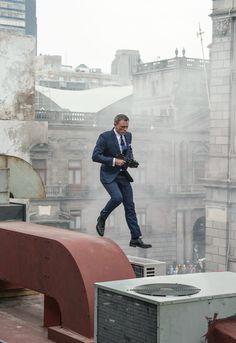 BLACK & BLUE — Daniel Craig - Spectre (2015)
