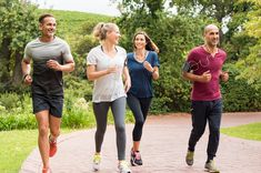 Healthy group of people jogging on track in park. Happy couple enjoying friend time at jogging park while running. Mature friends running together outdoor. Workouts Outside, Outdoor Workouts, Fun Workouts, Squat, Weight Loss Plans, Weight Loss Tips, Kids Diet, Health Coach, Kettlebell