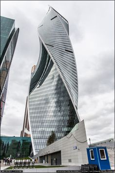 Evolution Tower, former City Palace (Wedding Palace) is being built in Moscow City. 2007 - 2012 47 floors 250 m A group of Edinburgh architects announced. Curved Glass, Edinburgh, Moscow, Evolution, Skyscraper, Multi Story Building, Tower, Construction, Wallpapers