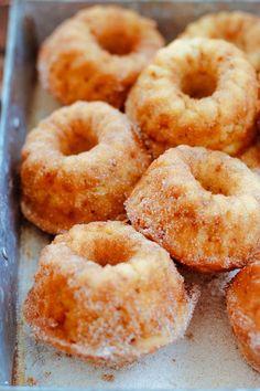 Rezept: Apfelküchlein - Mini Gugl mit Zimt und Zucker - amicella