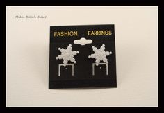 Snowflake (2nd design) Only 1 pair-$2.50  www.facebook.com/mikabellascloset