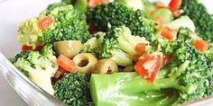 recipes of very useful and low-calorie salads with broccoli Salad with broccoli Ingredients: Broccoli Olives 150 g Bulgarian pepper 1 pc. Top Salad Recipe, Salad Recipes, Easy Healthy Recipes, Vegan Recipes, Cooking Recipes, Cooking Food, Low Calorie Salad, Clean Eating, Healthy Eating