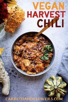Vegan Harvest Chili - Carrots and Flowers Quinoa Sweet Potato, Sweet Potato Chili, Vegan Ground Beef, Fall Recipes, Vegan Recipes, Pumpkin Recipes, Dinner Recipes, Vegan Soup, Vegetarian