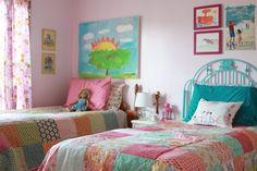 mädchenzimmer einrichten farbige bettwäsche wanddeko bilder