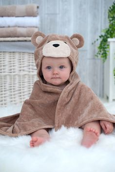 Toffee Teddy baby towel Looking for a baby gift a baby boy? Why not get this teddy bear hooded baby towel? This cute and soft hooded teddy towel makes a lovely new baby present. It can be personalized too to make an extra special personalized baby gift. Baby Gifts To Make, Baby Boy Gifts, Baby Shower Gifts, Shower Baby, New Baby Presents, Mango Presents, Baby Towel, Baby Shower Dresses, Personalized Baby Gifts