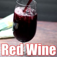 Easy Keto Low-Carb Red Sangria Wine Cocktails are the best healthy skinny drink perfect for summer or any event. This sugar-free drink is made Kombucha Cocktail, Sangria Cocktail, Sangria Wine, Moscato Sangria, White Sangria, Low Carb Cocktails, Fruity Cocktails, Wine Cocktails, Low Calorie Alcoholic Drinks
