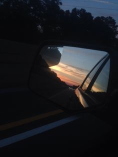 Rear view mirror sunset Car Mirror, Rear View Mirror, Sky Aesthetic, White Picture, Tumblr Wallpaper, Instagram Story Ideas, Stay The Night, Urban Photography, Good Vibes Only