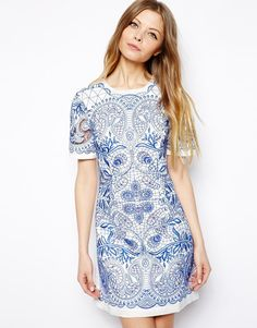 LOVE the blue embroidery over white for summer! very valentino. // #dress