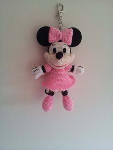 Minnie Mouse crochet Key Chain/ backpack zipper by Crochet Keychain, Minnie Mouse, Clothing Labels, Mousse, Presents, Felt, Dolls, Key Chain, Backpack