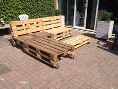 Lounge set van pallets Pallet Creations, Pallet Projects, Honey, Lounge, Wood, Home Decor, Repurposed Wood, Crates, Woodwind Instrument