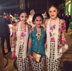 stunning kebaya (indonesia) in party wedding