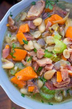 Ham Soup, Crock Pot Soup, Slow Cooker Bean Soup, Ham And Bean Soup Pressure Cooker Recipe, Plan Ahead Meals, Great Recipes, Dinner Recipes, Soup Beans, Ham And Beans