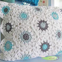 Transcendent Crochet a Solid Granny Square Ideas. Inconceivable Crochet a Solid Granny Square Ideas. Crochet Home, Love Crochet, Diy Crochet, Crochet Crafts, Yarn Crafts, Crochet Baby, Crochet Projects, Crochet Squares, Crochet Granny