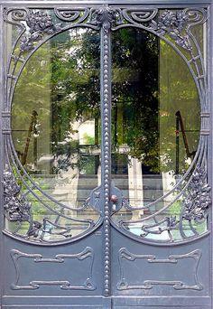 Really nice to have unique doors to separate large interior rooms...Hamburg, Germany - Eppendorf - Jugendstil 024 by Arnim Schulz, via Flickr