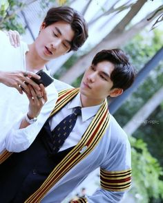 TharnType the series 👬❤💛 Mew Suppasit and Gulf Kanawut Isak & Even, Cute Gay Couples, E Type, Thai Drama, Drama Series, Series Movies, Kpop, Handsome Boys, Musical