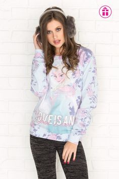 Ardene has all the comfy hoodies and sweatshirts you want to lounge in. Comfy Hoodies, Sweatshirts, Graphic Tees, Graphic Sweatshirt, Style Retro, Pastel Blue, New Trends, Zip Ups, Short Dresses