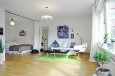 moderne Wohnungseinrichtung Ideen - Schlafzimmmer durch Vorhänge abgetrennt