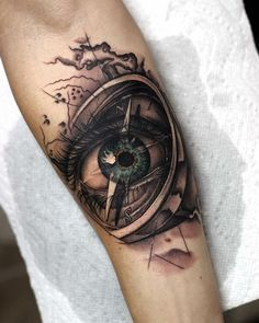 Eyre inside the compass - Tattoos Tattoo Sleeve Designs, Tattoo Designs Men, Sleeve Tattoos, Cool Tattoos For Guys, Tattoos For Women, All Seeing Eye Tattoo, Filigree Tattoo, Dibujos Tattoo, Best Tattoo Ever