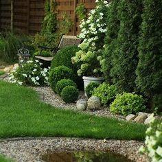 #techniczny #kpielisko #ptakw #post #dlaKąpielisko dla ptaków - post techniczny ;) Evergreen Garden, Pinterest Garden, Backyard Garden Design, Backyard Ideas, Sloped Backyard, Garden Cottage, Front Yard Landscaping, Landscaping Ideas, Shade Garden