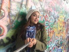Fotografía: Ruth Gonzalez - Muro de John Lenon John Lenon, Hand Fan, Mini, Prague, Castles, Hand Fans, Fan