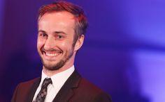 """Jan Böhmermann wird für """"Varoufake"""" im """"Neo Magazin Royale"""" bei ZDFneo in der Kategorie Unterhaltung mit dem Grimme-Preis ausgezeichnet."""