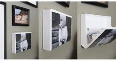 Antigas fitas VHS podem virar um porta-retrato e organizador. Para isso, basta retirar o antigo encarte, lavar com água e esperar secar bem. O objeto deverá ser colado na horizontal com a parte da abertura da caixa, voltada para cima. Coloque a fotografia (no lugar do encarte) já pensando na disposição. Depois aplique no verso da embalagem, fitas adesivas dupla face, para que possam ser coladas nas paredes.