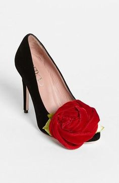 RED Valentino pump with a rose? Shoe heaven.