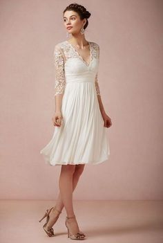 V-Neck Lace Sleeve Wedding Dress Short Chiffon Beach Wedding Dress And Veil