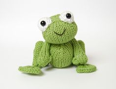Love this knitted frog!