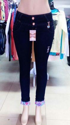 Calças Jeans Femenina com elastano