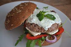 Griekse lamsburgers - Uit de pan van San