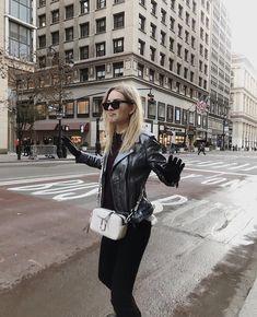 Modern Fashion, Love Fashion, Fashion Trends, Marc Jacobs Logo, Autumn Inspiration, Mj, Parisian, Rock And Roll, Claire