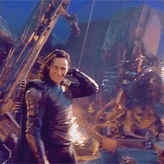 Just Tom Hiddleston Loki Thor, Loki Laufeyson, Tom Hiddleston Loki, Loki Gif, Thomas William Hiddleston, Marvel Actors, Marvel Funny, Marvel Memes, Marvel Characters