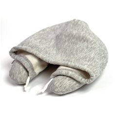 Hoodie Resekudde - looks like a handy project to use as a travel pillow...... NEED THIS