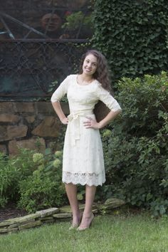 Perfect Modest Lace dress! Would make a lovely tea length wedding dress!   Dainty Jewell's