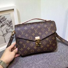 Brand new Popular POCHETTE METIS M40780 for sale, it's purchased in the Louis Vuitton head quarter in Paris, France last season. Two division inside the bag and one more zipper pocket in the back. I received another one as a gift so this one is for sale now. Price can be negotiated, thank you.