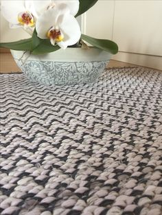 Floor Rugs, Hand Weaving, Flooring, Home Decor, Hand Knitting, Decoration Home, Room Decor, Hardwood Floor, Floor