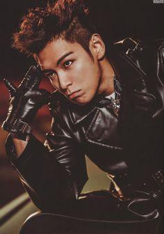 i bleed black and yellow Daesung, Vip Bigbang, Just Love, Baby Baby, Top Choi Seung Hyun, G Dragon Top, Hip Hop, Gd And Top, Korean Boy