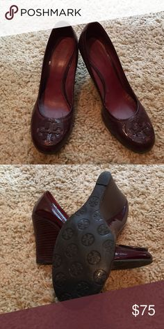 TORY BURCH Patent Leather Sophie Wedges Bordeaux Wine colored Wedges. Wood  Wedge Heel. 8
