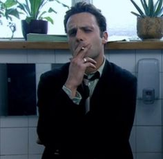 Andrew Lincoln - even hotter when smoking <3