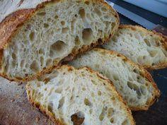 IN GREDIENTI       400 gr farina 0  100 gr semola rimacinata  350 gr acqua t.a.  10 gr sale  15 gr malto liquido      Preparazione:...
