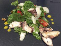 Grüner Salat mit Pulpo, Spargel und Erdbeere