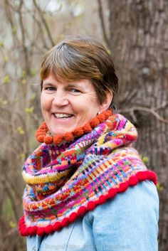 Marias garnhändelser. | Swedish colorful cowl