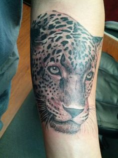 I want my jaguar shoulder piece to look realistic like this!