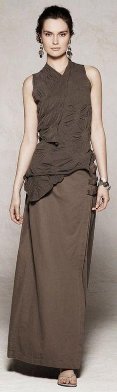 Sarah Pacini -- the skirt