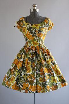 Vintage 1950s Dress / 50s Cotton Dress / Orange and Green Floral Print Sun Dress S