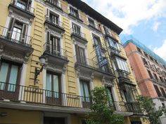 Calle Arenal, Centro. Madrid by voces, via Flickr
